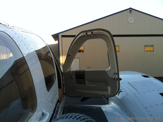 Beech 58P 2011 Door Photo