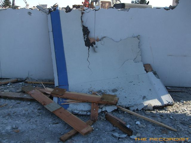 Wall Destroy Photo